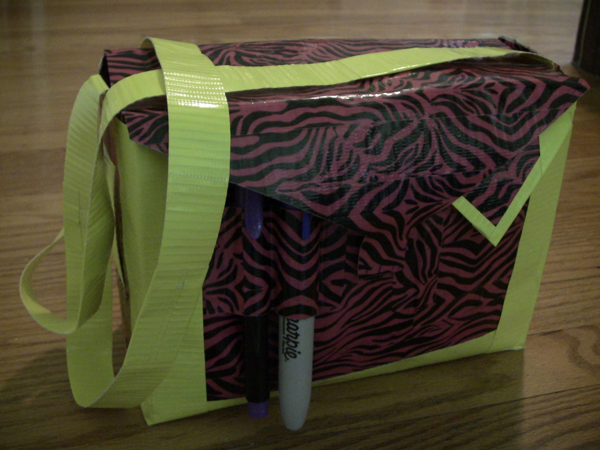 How to make a Duct tape Purse!