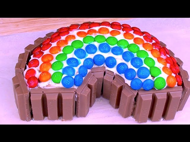 KIT KAT & M&M RAINBOW CAKE - How to video