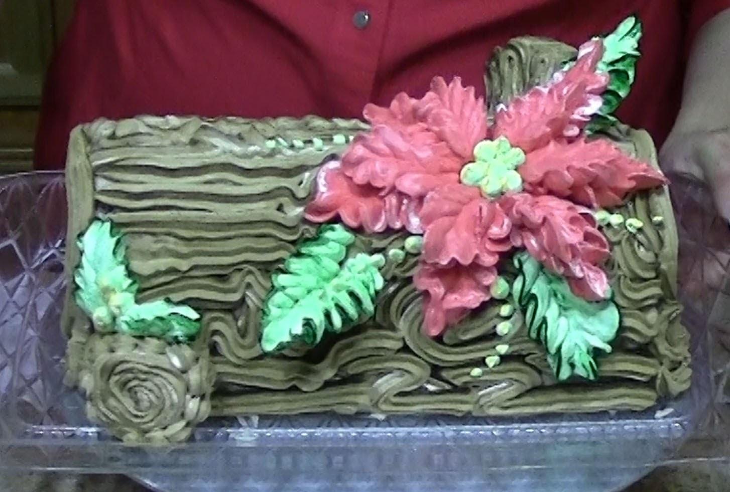 Poinsettia, Yule Log Cake, How to Decorate, Cake Decorating, Christmas