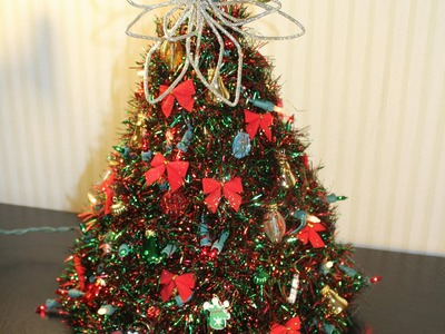 How to Make a Hanger Christmas Tree - Updated Version
