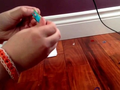 How to build a sling shot out of rainbow loom