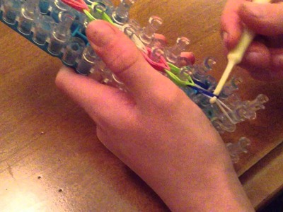 Making a Whale Tail Rainbow Loom Bracelet