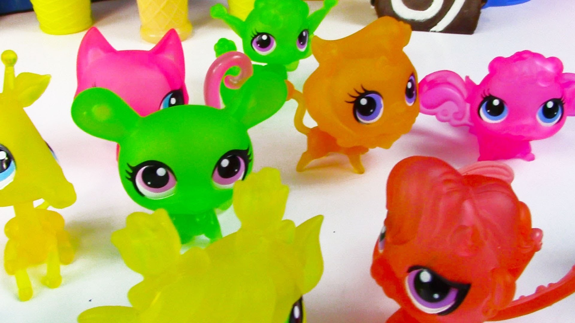 LPS Blind Bags Clear Collection Littlest Pet Shop Toy Review Rainbow Colors Part 2