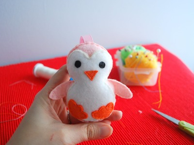 Timelapse- Sewing a Felt Penguin in 2 minutes