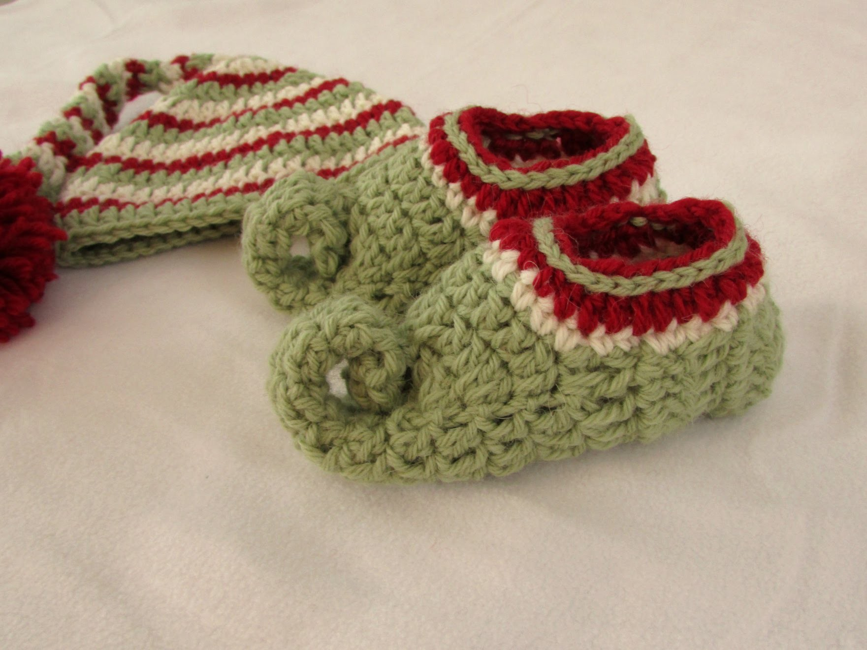How to crochet children's elf slippers. boots. shoes - crochet Christmas elf set PART 2