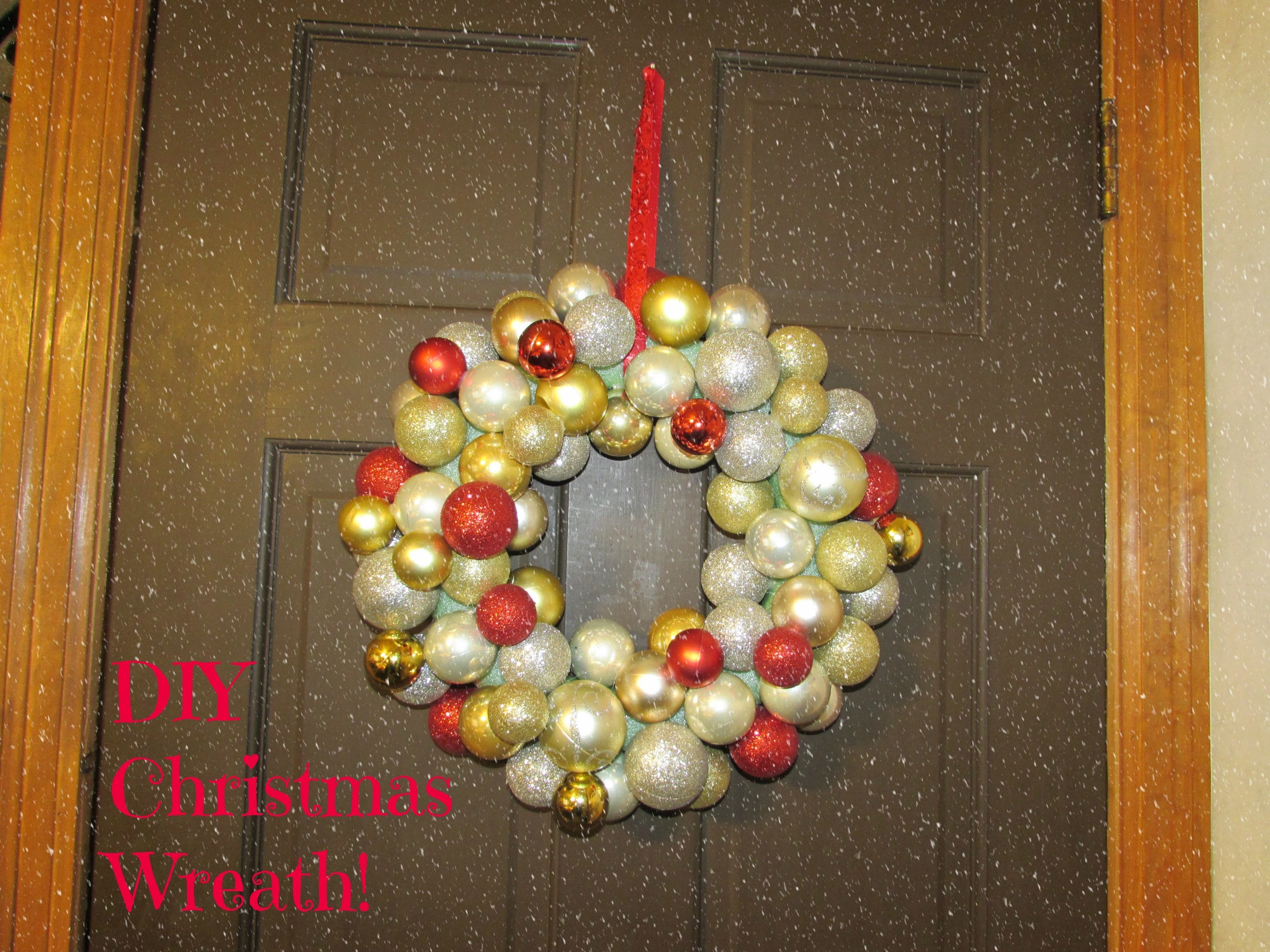 DIY Christmas Wreath | Tutorial!