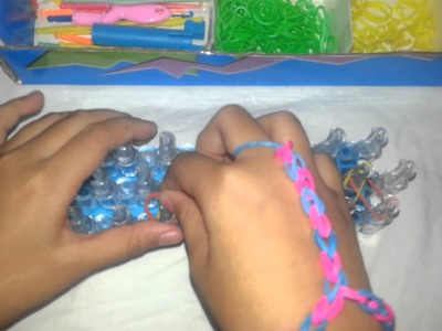 Rainbow loom handsieraad by Sam