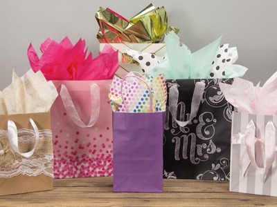 Gift Wrapping: Boxes & Bows | How to wrap a Christmas Present