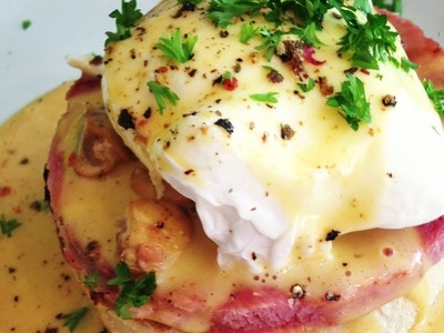 Easy Eggs Benedict Recipe - MYVIRGINKITCHEN
