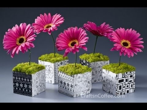 20 Colorful And Creative DIY Spring Centerpieces
