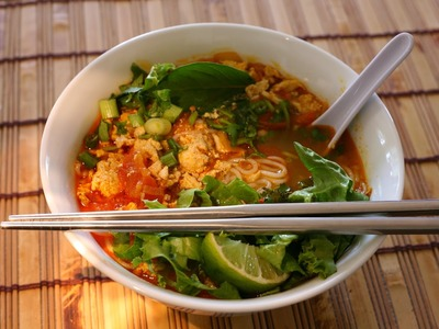 Bun Rieu - How to make  Vietnamese Crab & Pork Noodle Soup.