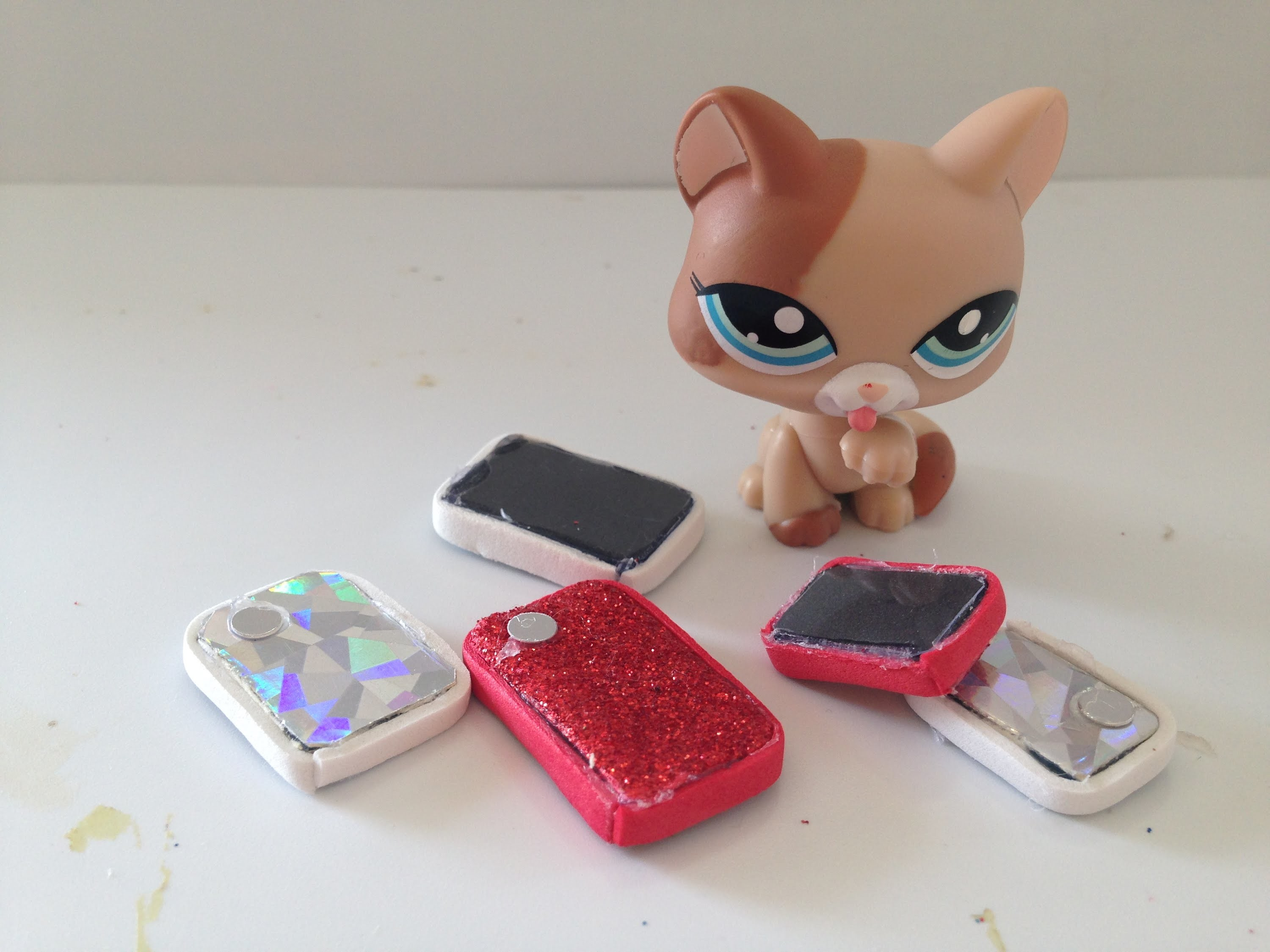 How to make a Doll.LPS cell phone