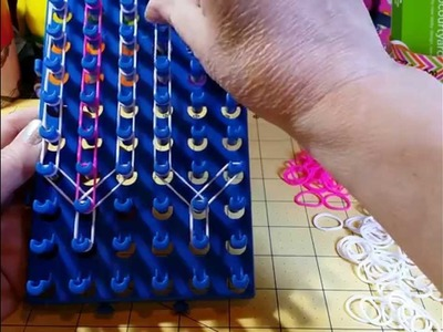 Bow & Chain bracelet on Super Cra-Z-Loom