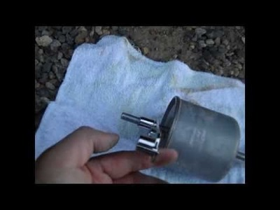 CHANGING FUEL FILTER ON A  1998 EXPEDITION 5.4L 4X4