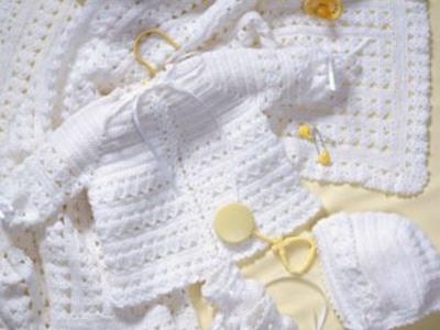 Crochet Along Baby Layette.  Bonnet  ( Video 4 )