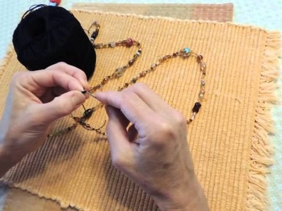 Making a beaded crochet necklace