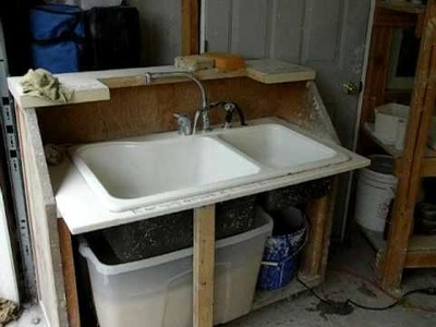 Portable sink for your studio. Have running water with out costs of plumbing.
