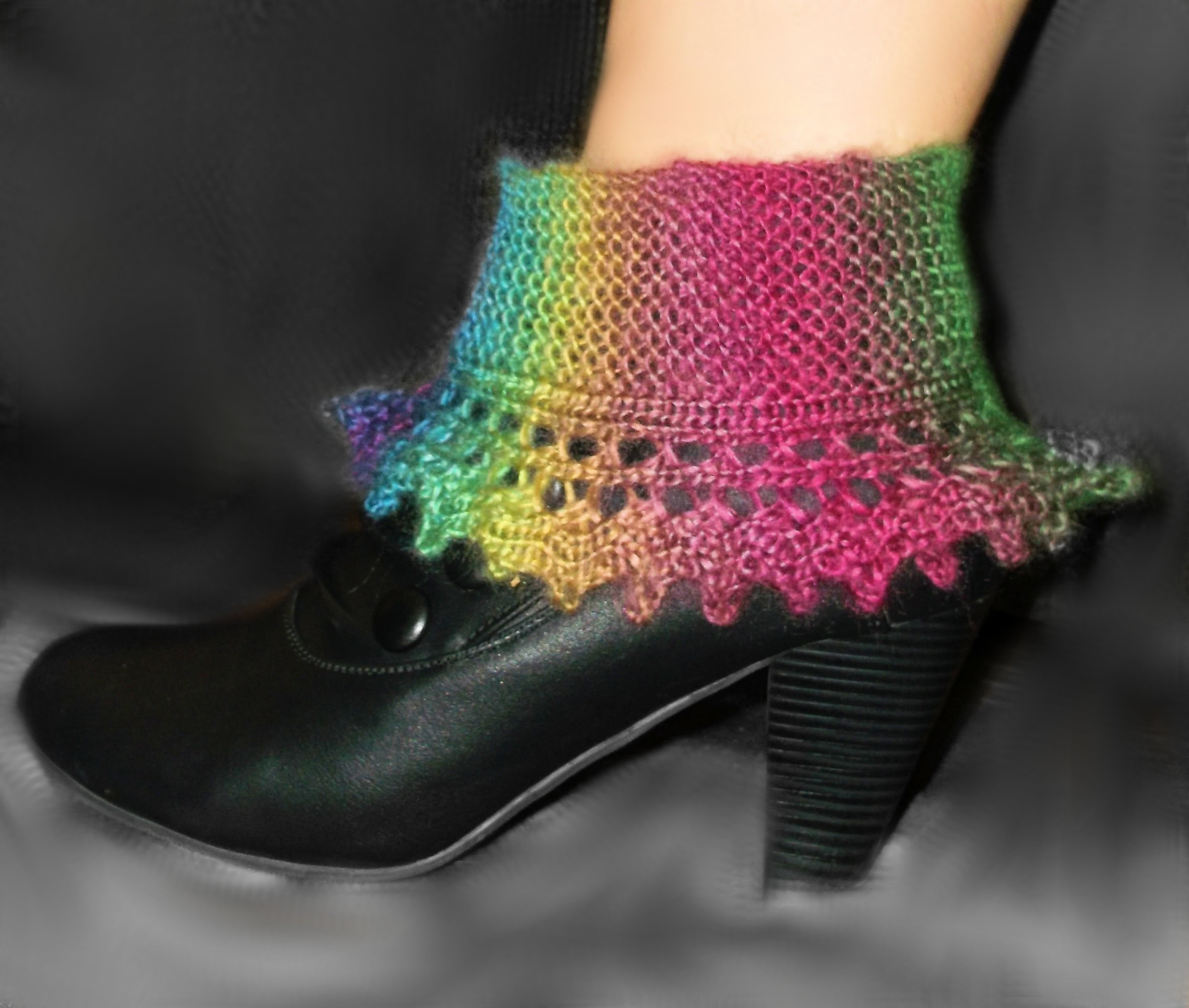 How to Loom Knit Lace Boot Cuffs