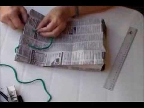 Bolsa de Diario reciclado para Regalo. Reciclado. Papel de diario. Christmas paper bag