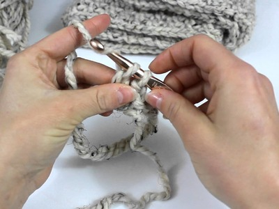 How to Crochet a Beautiful Scarf