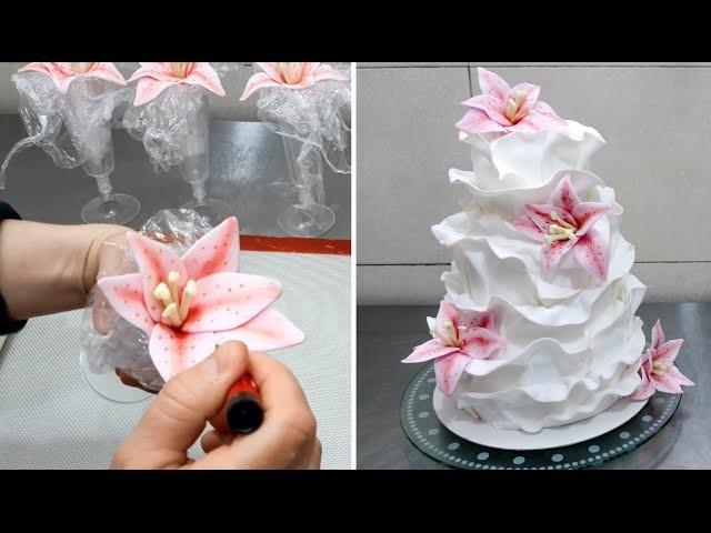 How to make a beautiful and easy fondant ruffle cake. Pastel con volantes de fondant.