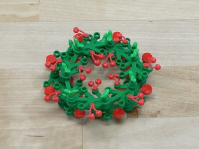 LEGO® Creator - How to Build a Wreath with Berries - DIY Holiday Building Tips