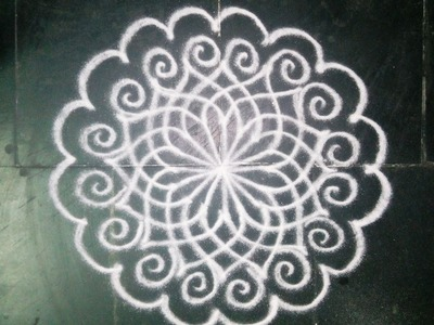 HOW TO DRAW A SIMPLE FREEHAND KOLAM