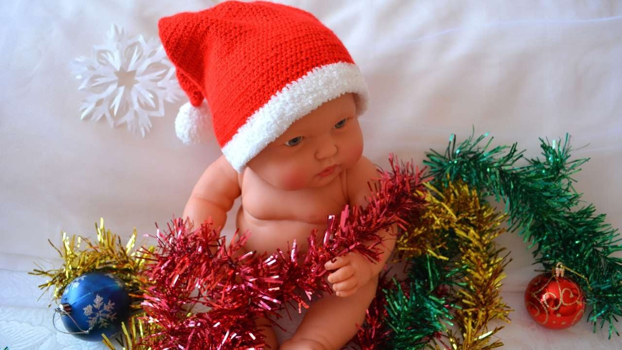 How To Make A Childs Christmas Hat - DIY Crafts Tutorial - Guidecentral