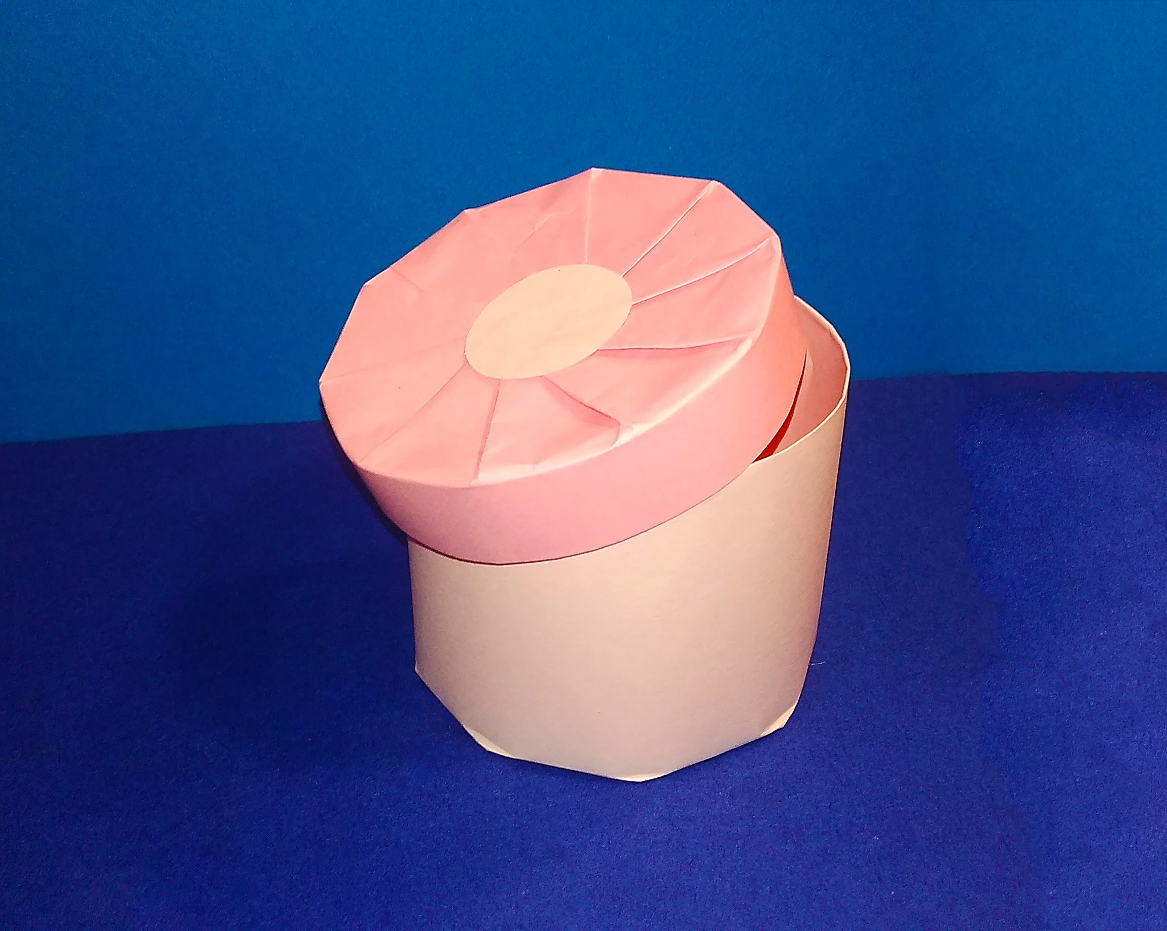 DIY Cylindrical Gift Box ! Easy candy round shape box! Great ideas for Christmas!  Caixa redonda