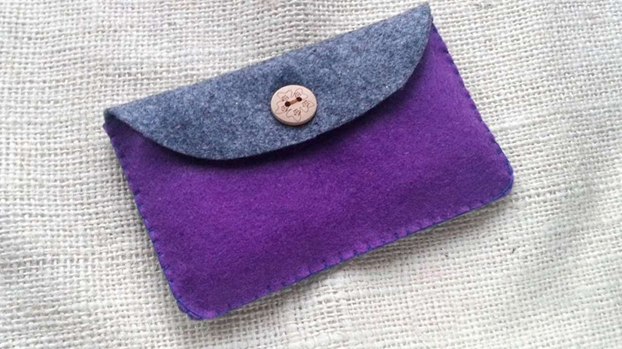 How To Create A Simple Felt Purse - DIY Crafts Tutorial - Guidecentral