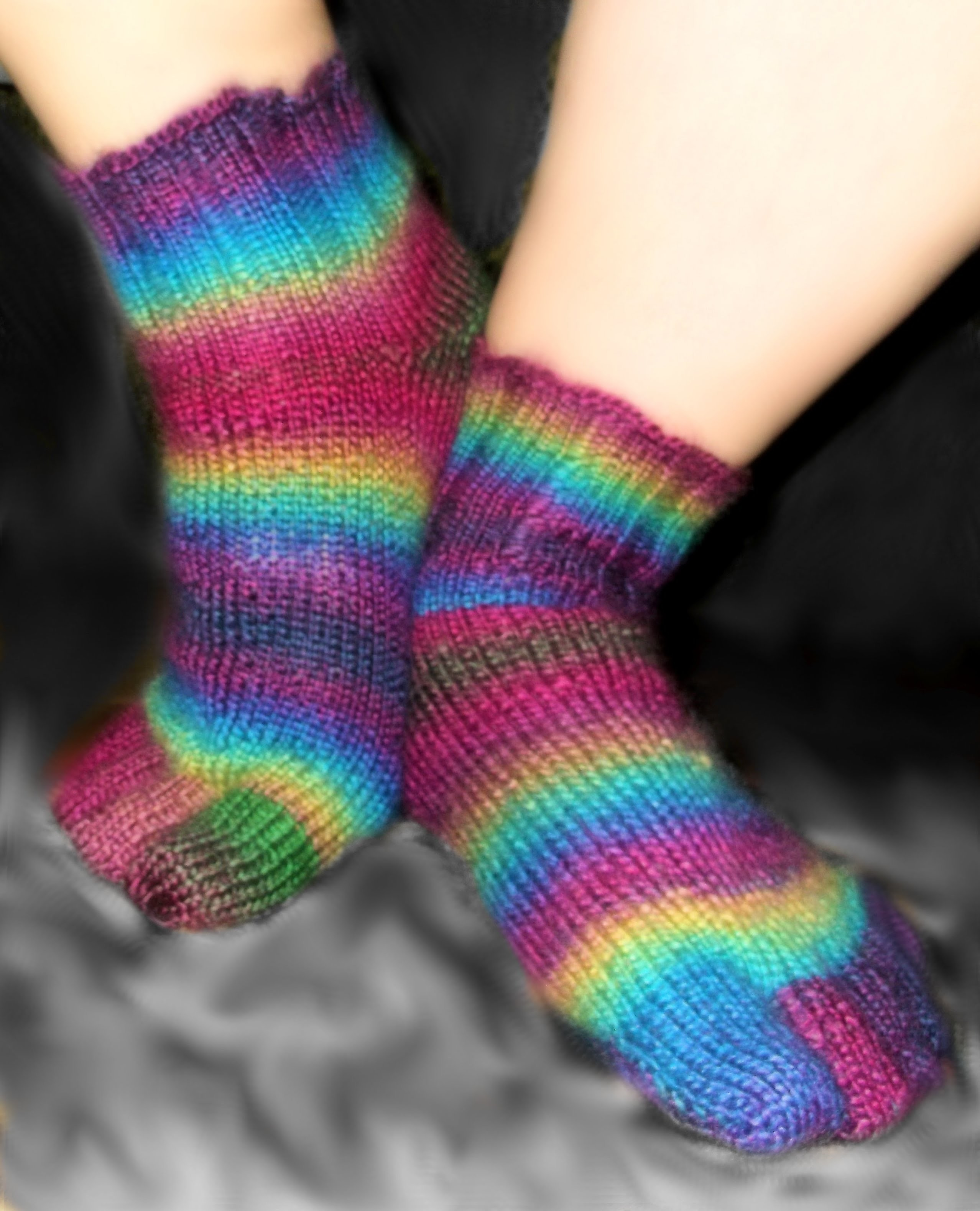 How to Loom Knit Toe Socks