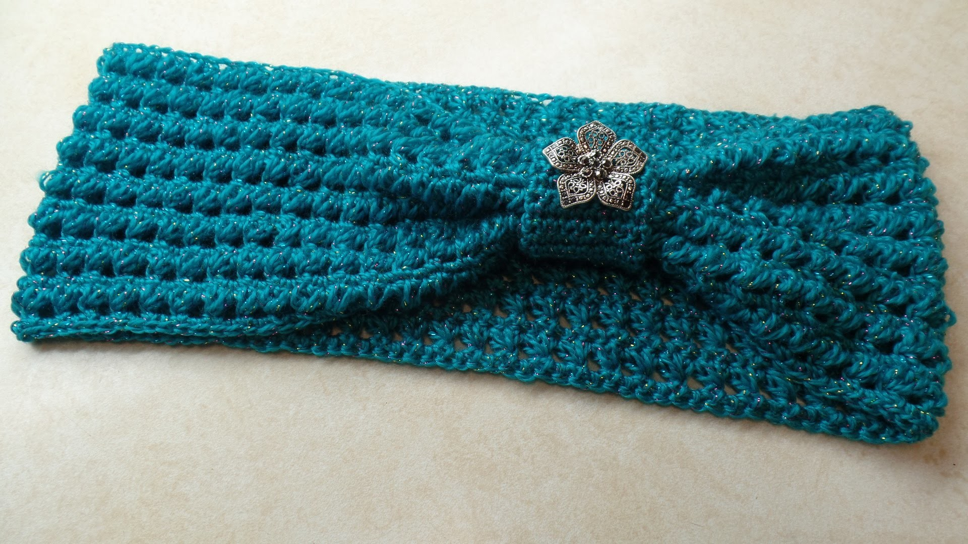 #Crochet Triangle Stitch Cowl Scarf #TUTORIAL