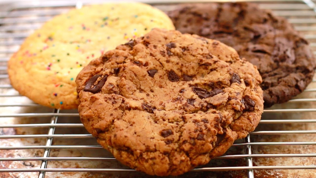 GIANT Single-Serving Cookies (Chocolate Chip, Sugar Cookie & 2x Chocolate) - Bigger Bolder Baking 86
