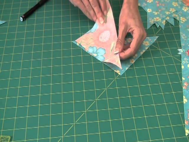 Sew Easy: Piecing Quarter Square Triangle Borders