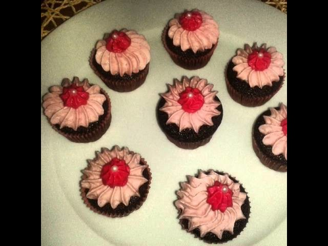 #blackberry#Raspberry#redcurrant#red#velvet#muffin#cupcake#frosting#diy#yummy#delicious#dessert#cu