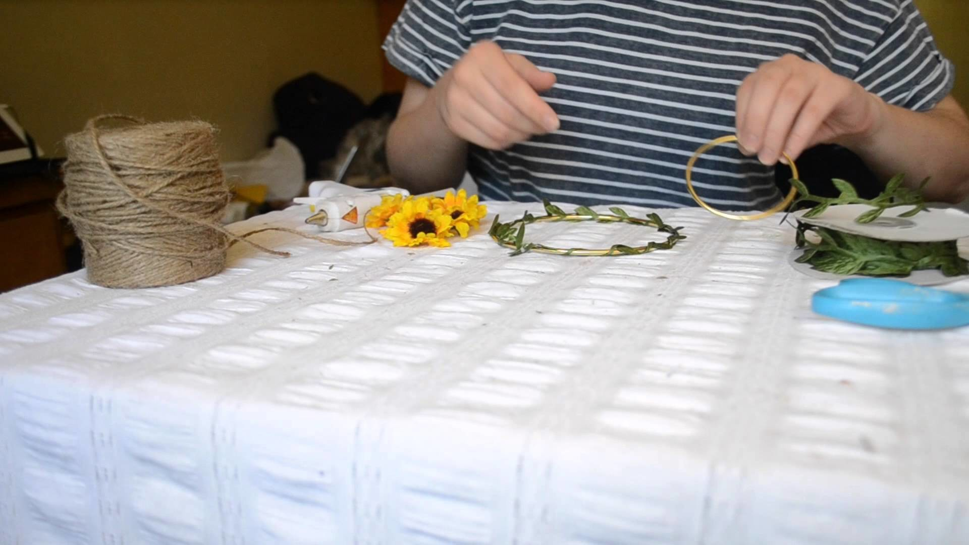 DIY Decorative Spring Bloom Mobile