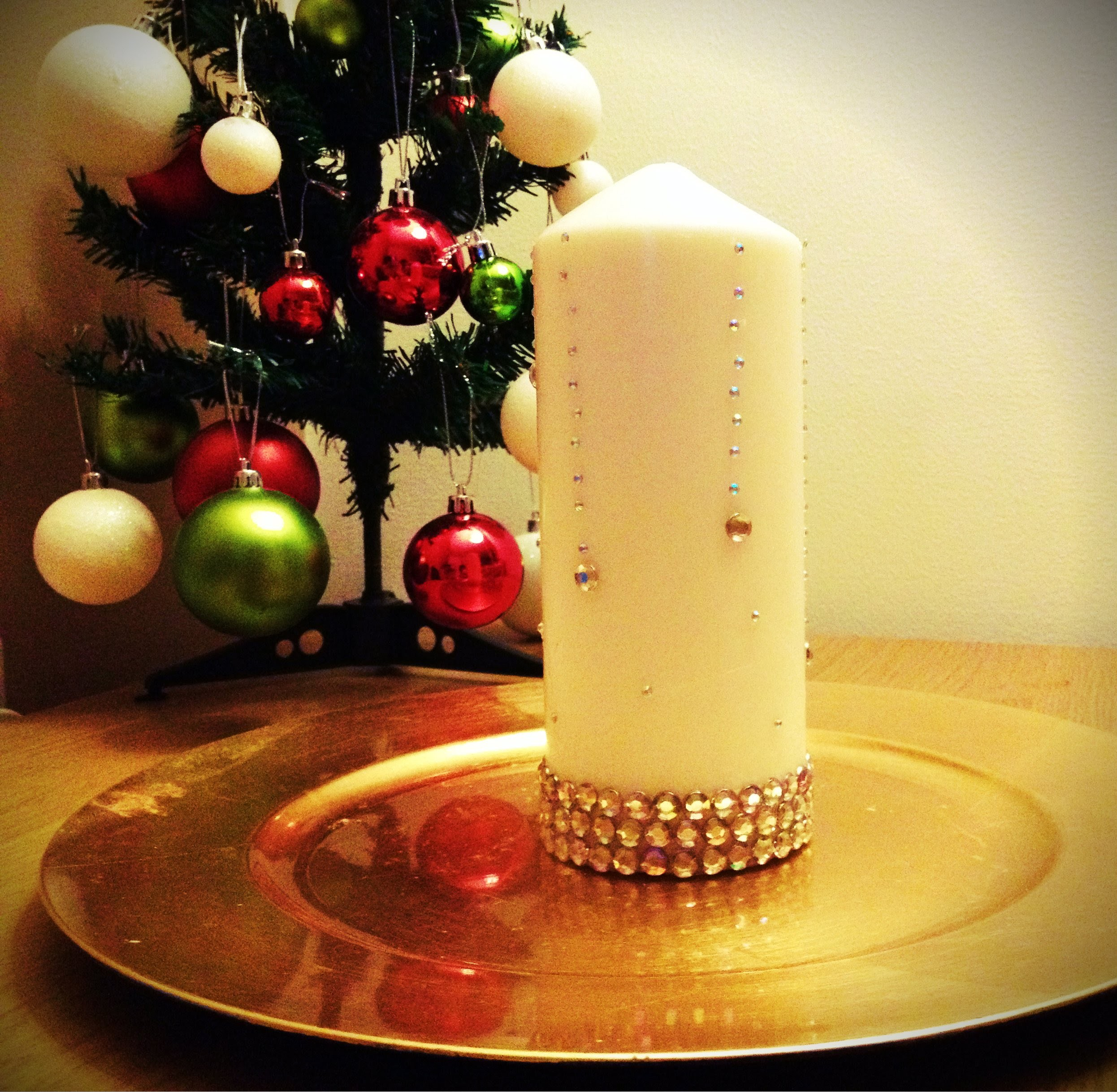 "DIY: candle with rhinestones ""Let it Snow"""