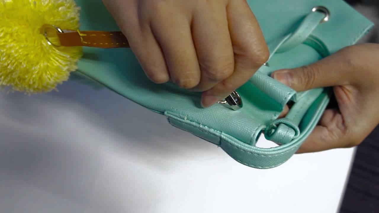 DIY: POMPOM BAG CHARM