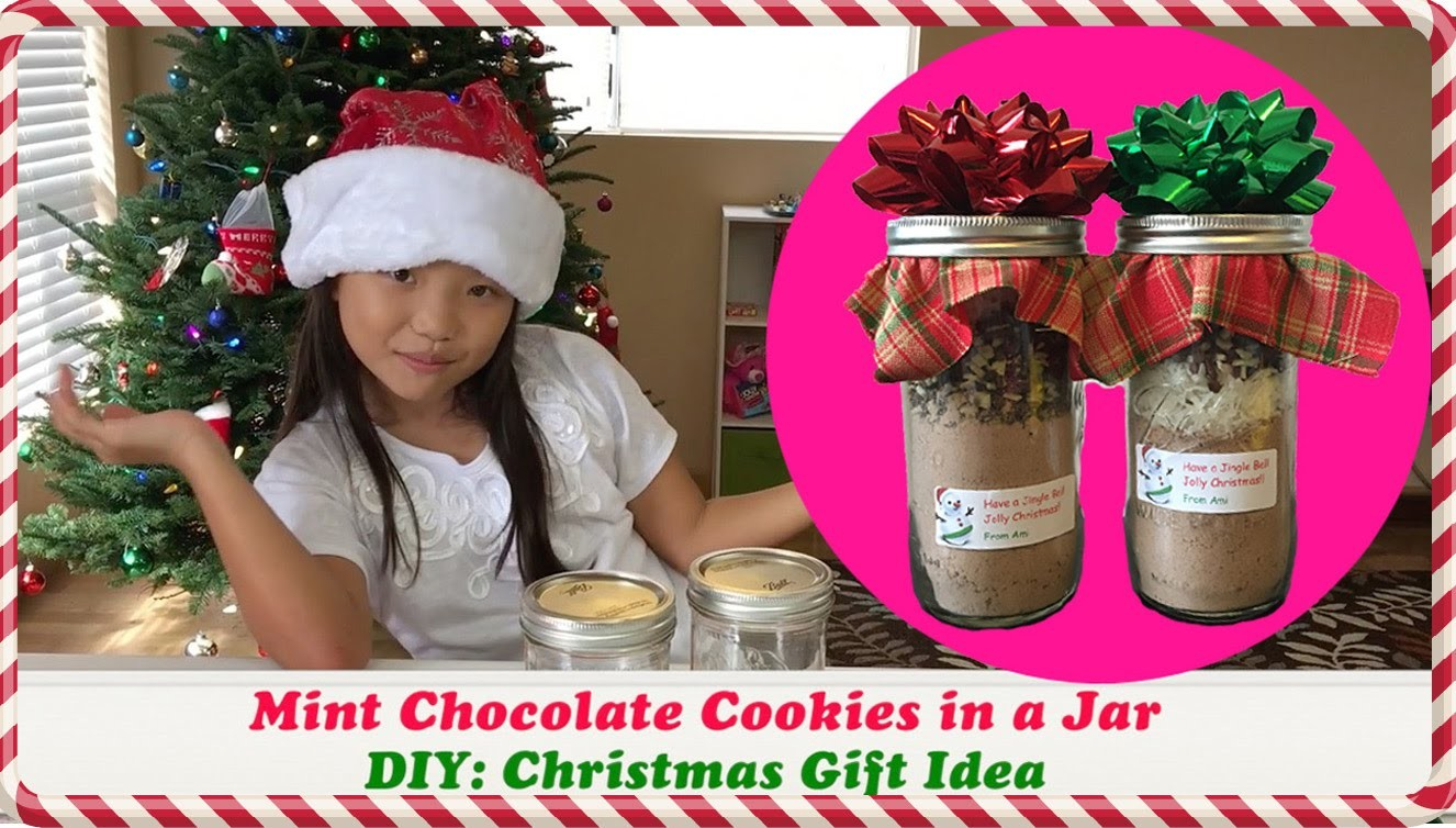 How to Make Cookies in a Jar | DIY Christmas Gift Idea