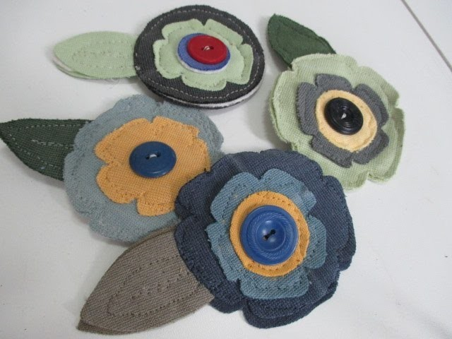 DIY Fabric Flower Pins Using the Sizzix BigShot