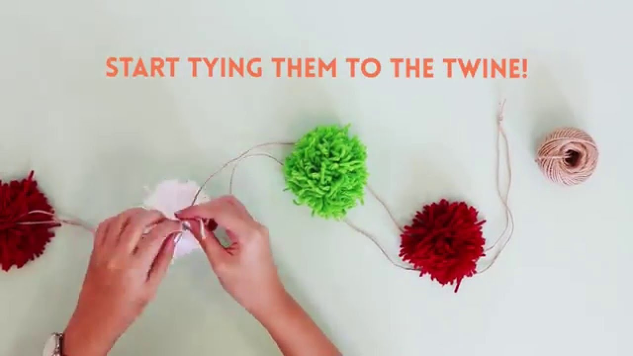 DIY Pompom Xmas wreath - HoneyKids Asia
