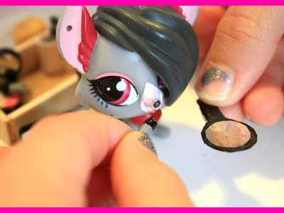 LPS DIY - LPS makeup lipstick, makeup brushes and mirror