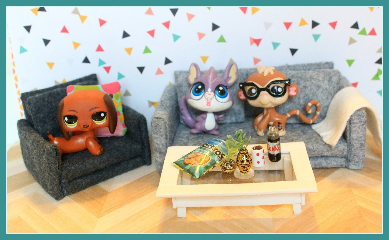 LPS DIY EASY How to make a dollhouse chair and table