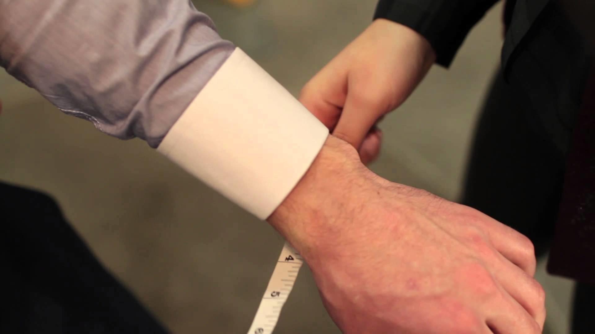Eph Apparel - Suit Measurement Tutorial - Wrist