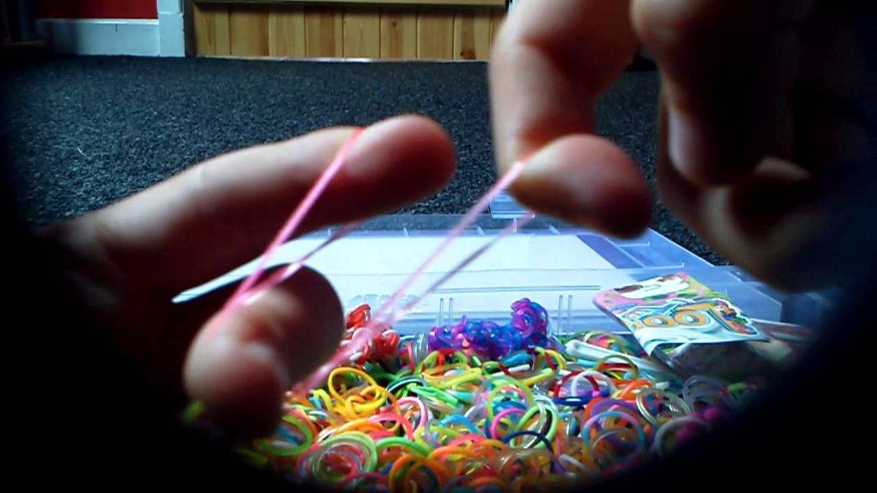 Loom bands tutorial with hand