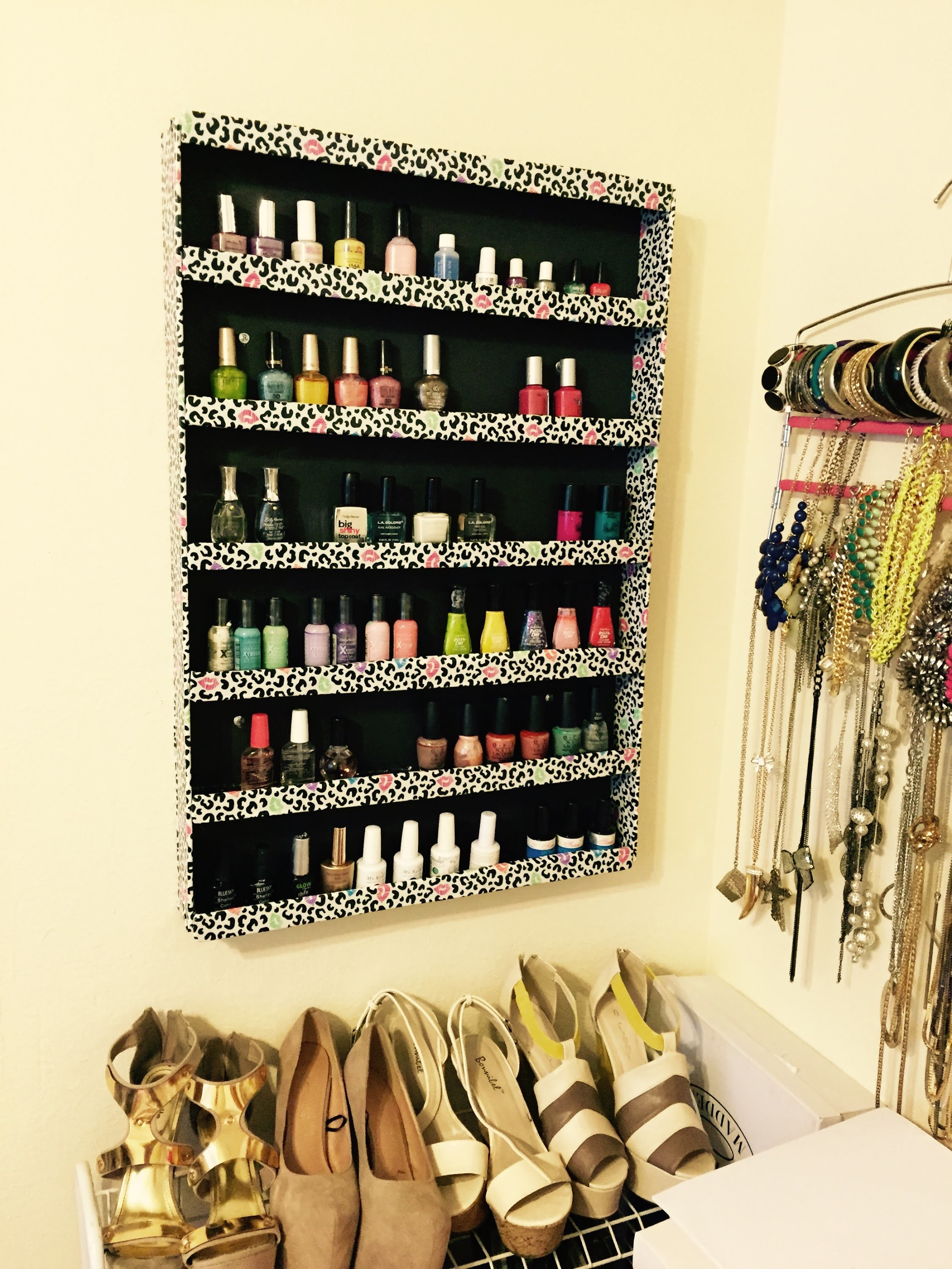 Tutorial: DIY Foam Board Nail Polish Rack