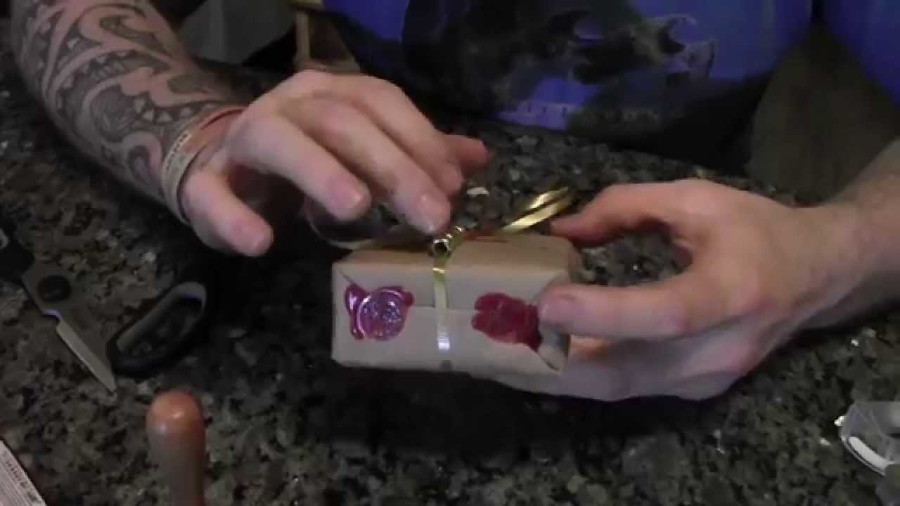 Christmas Wrapping Tutorial