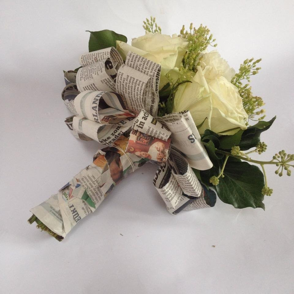 Newspaper Bouquet tutorial