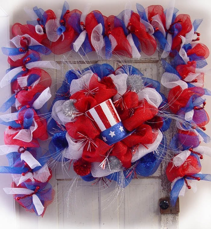 Patriotic Wreath & Garland Tutorial by Trendy Tree