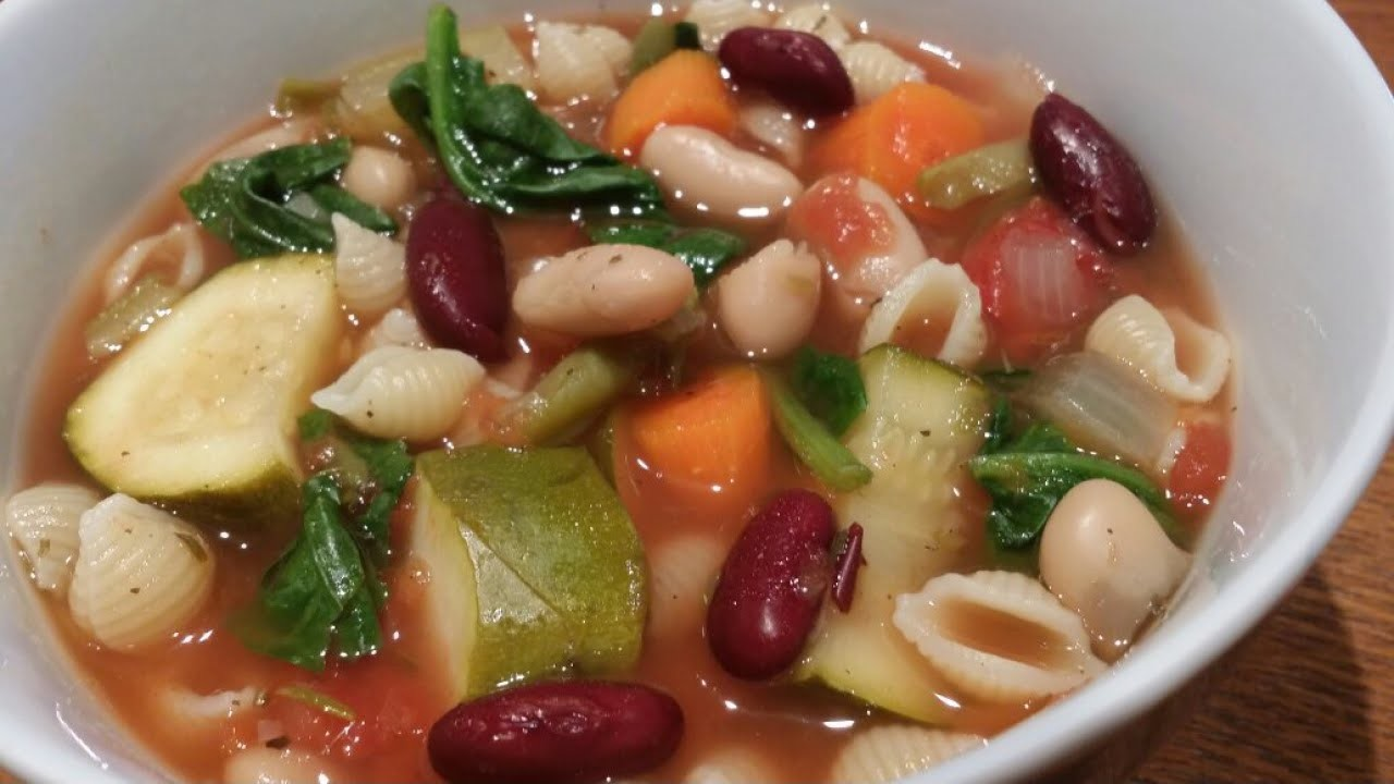 Make Delicious Hearty Minestrone Soup - DIY Food & Drinks - Guidecentral